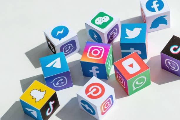 How You Can Turn Your Social Media Into a Valuable Sales Funnel: Social Commerce.