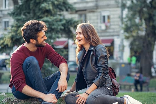 The 5 Things To Consider If You're Looking For A Girlfriend
