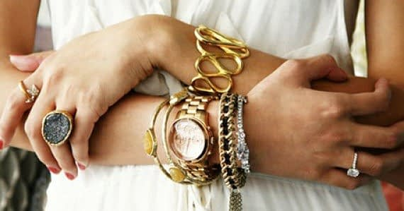 How to Wear Jewelry: Energy of the Right and Left Hands